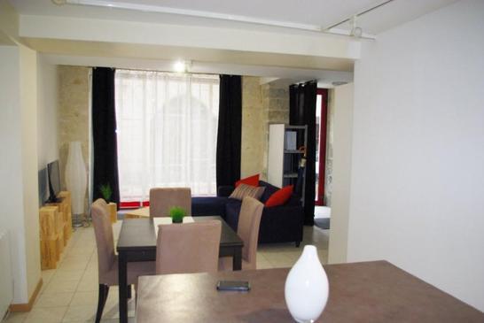 appartement meuble perigueux immofavoris. Black Bedroom Furniture Sets. Home Design Ideas