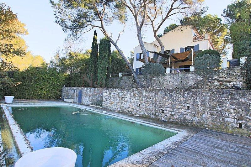Villa plein pied aix provence piscine immofavoris for Camping aix en provence avec piscine