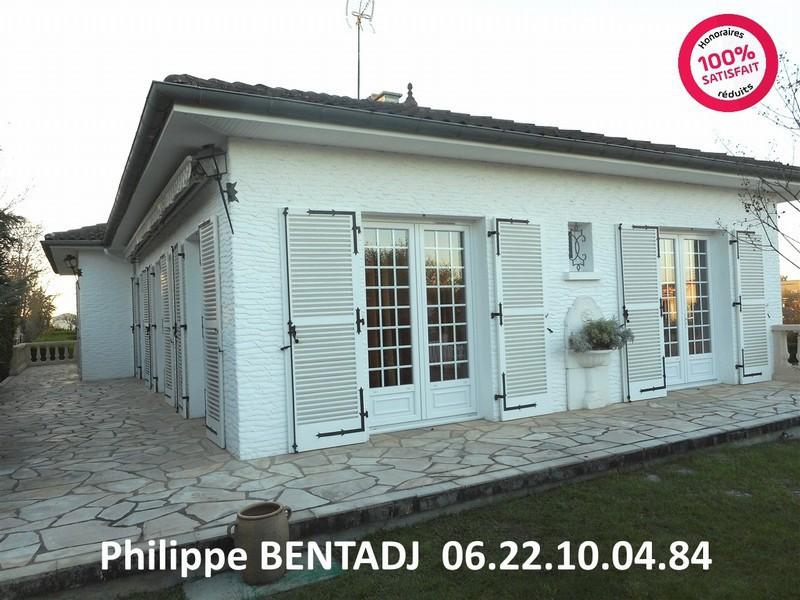 Maison bois 40 000 euros piscine immofavoris for Construction piscine angouleme