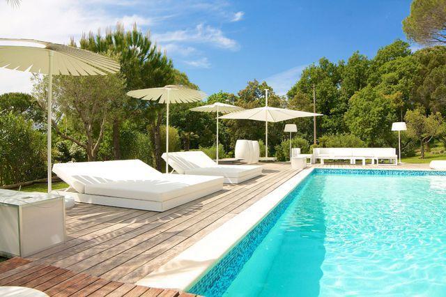 Terrasse teck interieur immofavoris - Terrasse teck piscine ...