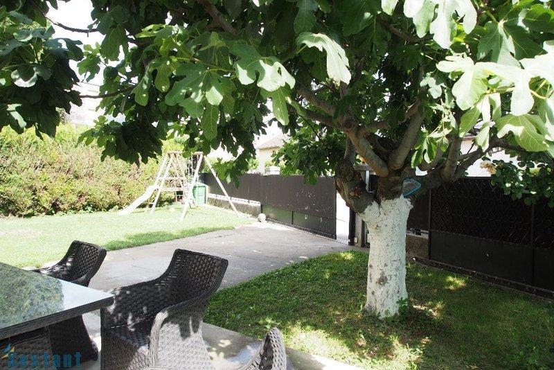 Maison centre ville grenoble jardin immofavoris for Maison de ville grenoble