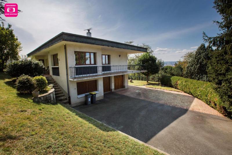 Maison domerat piscine immofavoris for Piscine montlucon