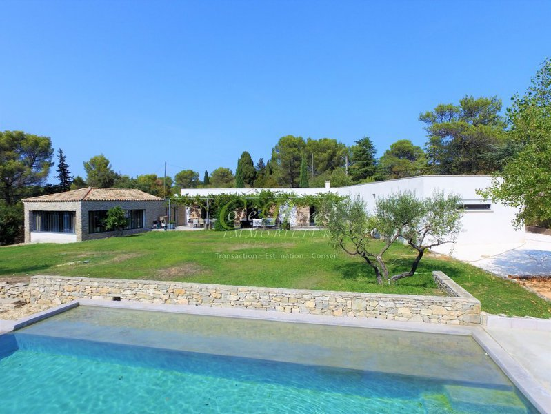 3 pieces nice nord terrasse piscine immofavoris for Piscine 06700