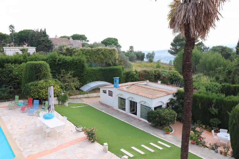 70 m nice piscine immofavoris for Piscine jean medecin