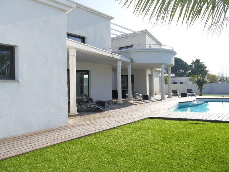 maison plage exotique piscine immofavoris. Black Bedroom Furniture Sets. Home Design Ideas