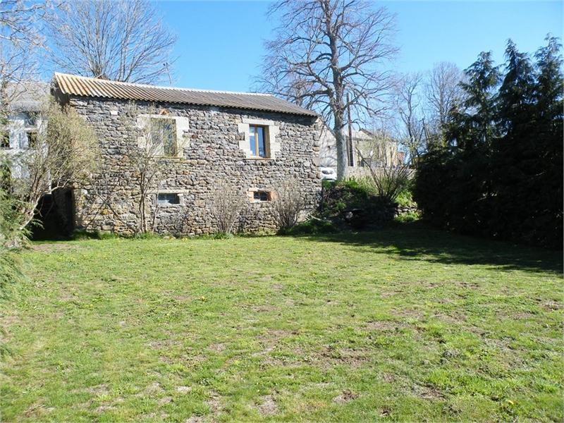 Grange clermont ferrand immofavoris for Garage de paris riom