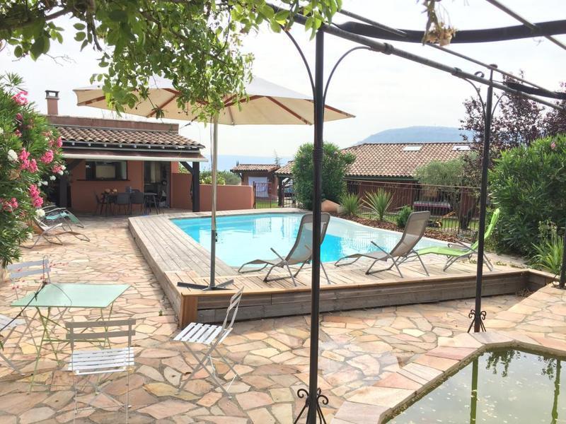 Maison ardeche aubenas piscine immofavoris for Piscine aubenas