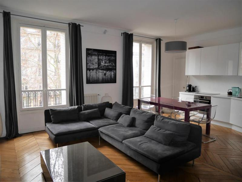 Paris chambre service 16 immofavoris for Chambre 8m2 amenagee