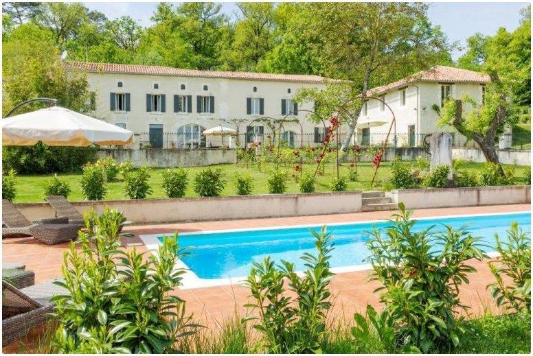 Immobilier bordeaux 33 piscine immofavoris for Immobilier bordeaux et environs