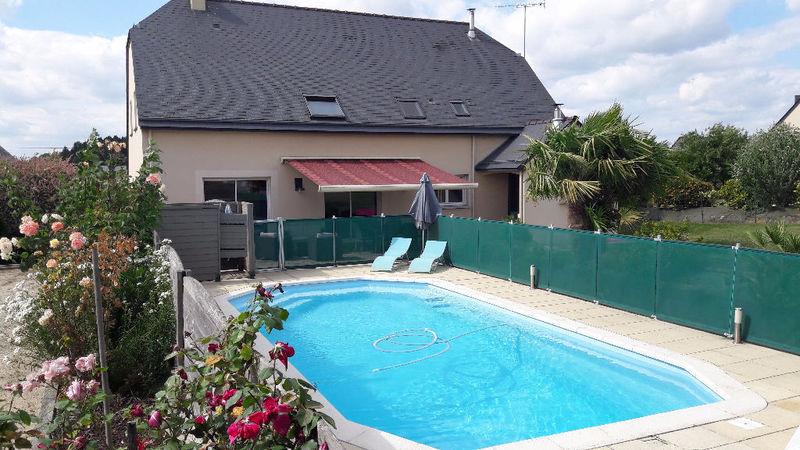 Maison terrain vitre piscine immofavoris for Piscine vitre