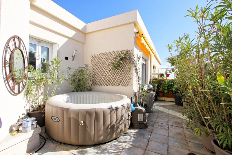 Atypique nice terrasse immofavoris for Immobilier atypique nice