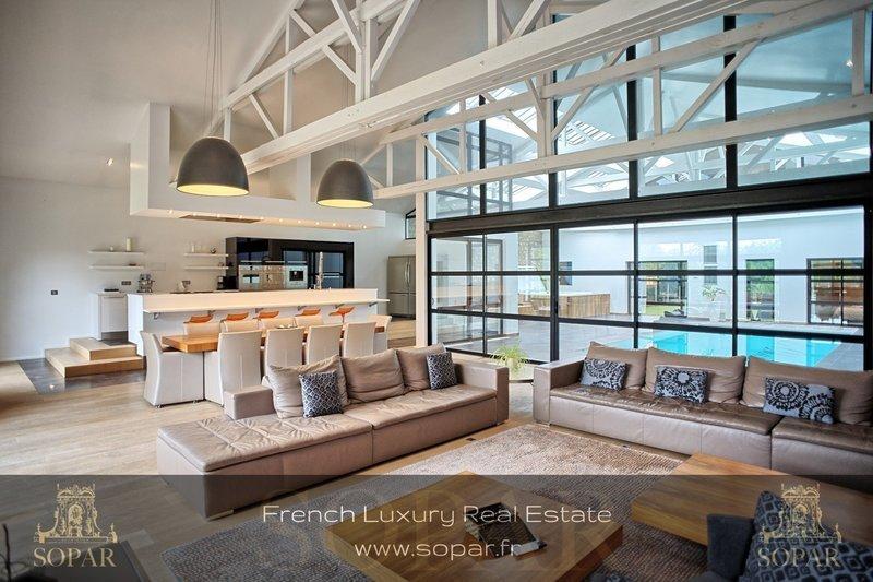 maison abri angouleme piscine immofavoris. Black Bedroom Furniture Sets. Home Design Ideas