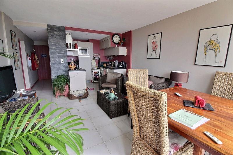 appartement narbonne plage meuble immofavoris. Black Bedroom Furniture Sets. Home Design Ideas