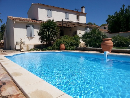 Maison villa saint cannat piscine immofavoris for Astral piscine st cannat