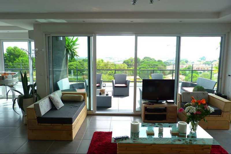 maison f4 montpellier piscine immofavoris. Black Bedroom Furniture Sets. Home Design Ideas