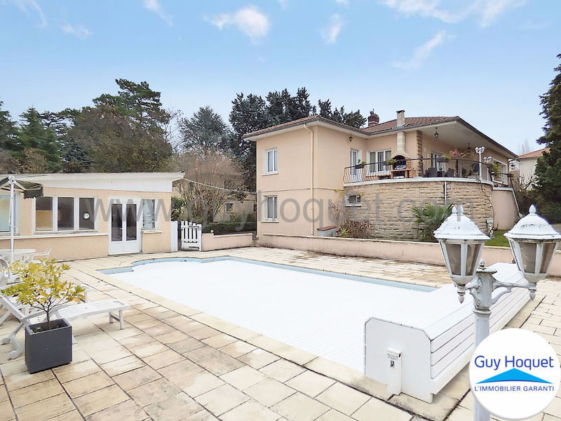 Maison piscine chaponost immofavoris for Piscine oullins