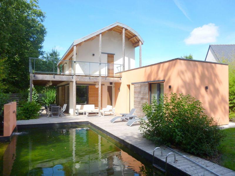 Maison contemporaine orvault piscine immofavoris for Piscine orvault