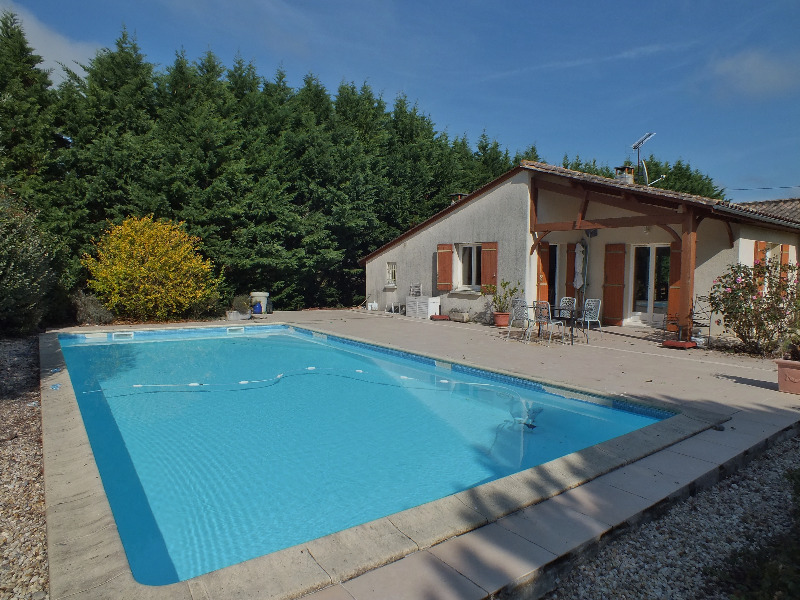 Vente maison saint aigulin la roche saint michel immofavoris for Prix piscine 5x10