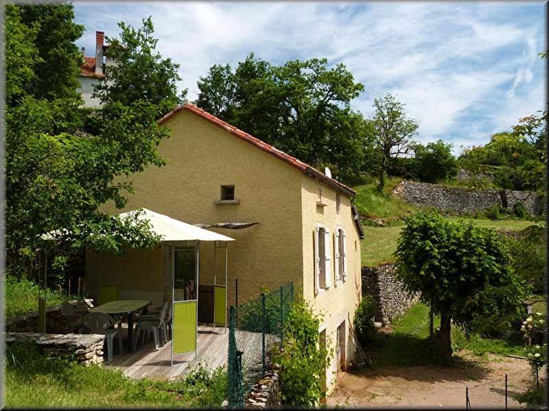 Maison rocamadour piscine immofavoris for Piscine bois 9x5