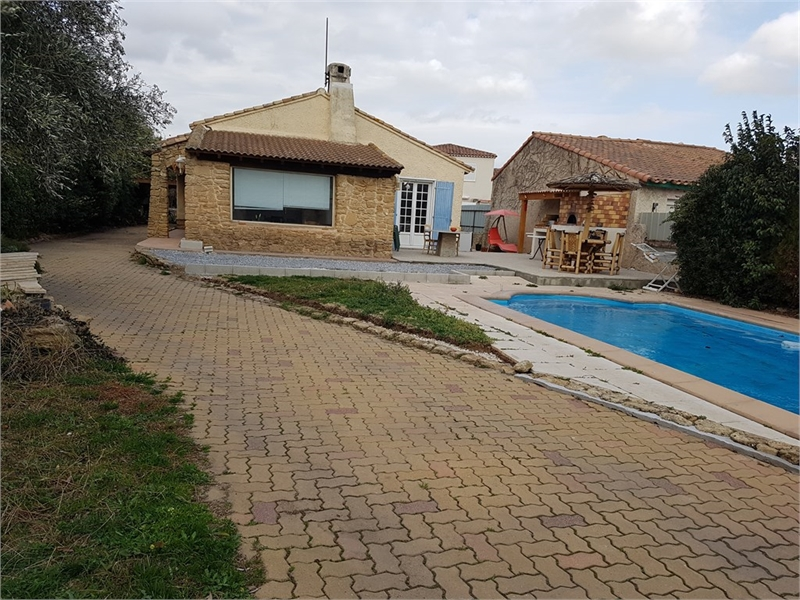 maison plein pied istres piscine immofavoris