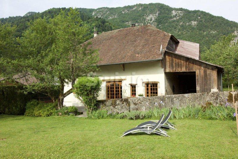 Maison lac annecy immofavoris for Acheter une maison a annecy