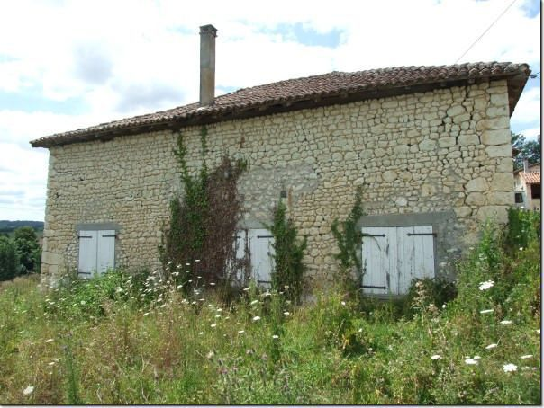 Grange maison renover angouleme immofavoris for Renover une grange combien ca coute