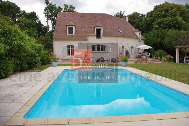 Maison lamorlaye lys piscine immofavoris for Surface atypique 92