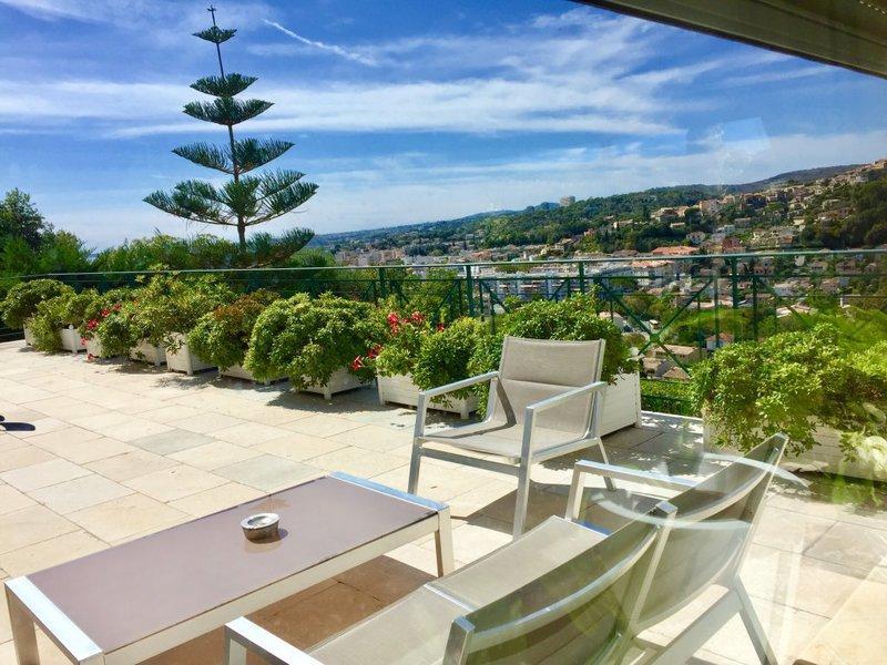 Villa terrain rez jardin nice ouest immofavoris for Jardin villa ratti nice