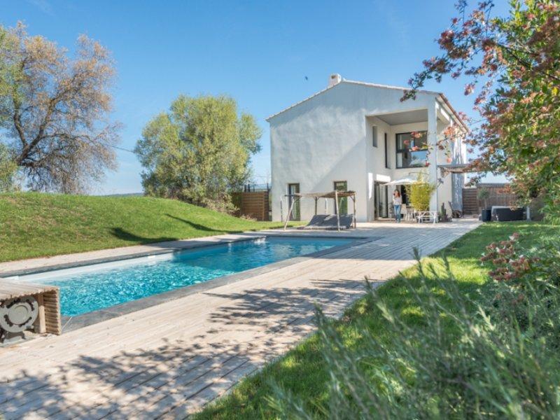 taxe fonciere aix provence piscine immofavoris. Black Bedroom Furniture Sets. Home Design Ideas