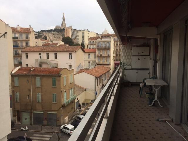 Appartement marseille vue vieux port terrasse immofavoris for Terrasse marseille vente