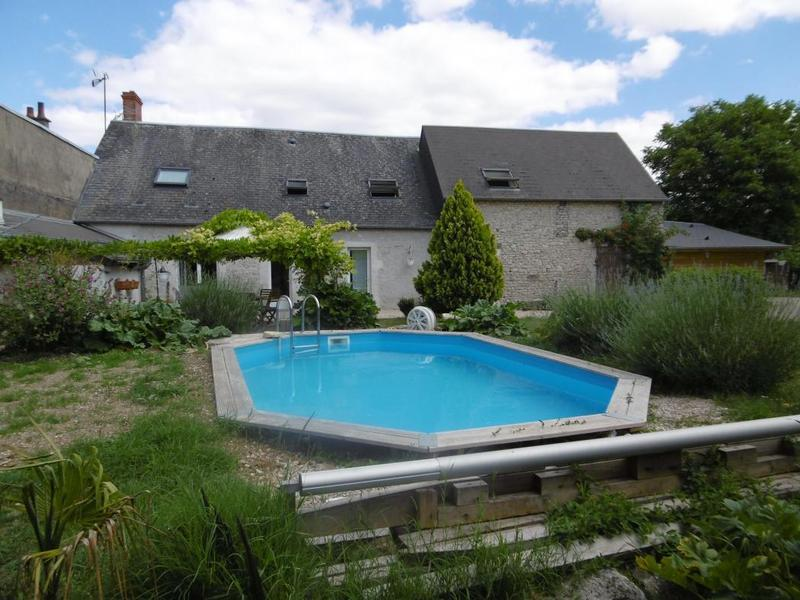 Maison vendome terrasse piscine immofavoris - Piscine couverte maison orleans ...